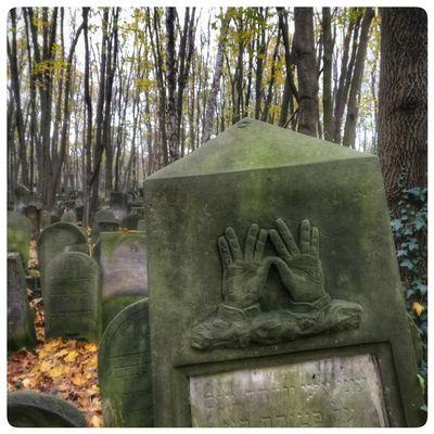 Еврейское кладбище в Варшаве
