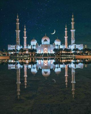 Мечеть (белая) шейха Зейда (Зайеда)