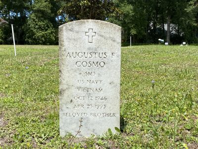 Augustos F Cosmo