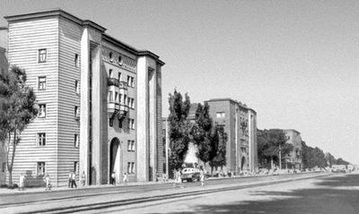 Будинки-вставки В.О.Лаврова