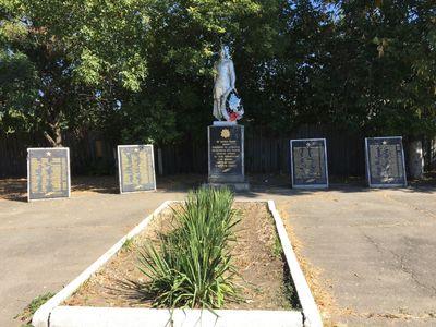 Братская могила в с. Кушугум, Запорожская область